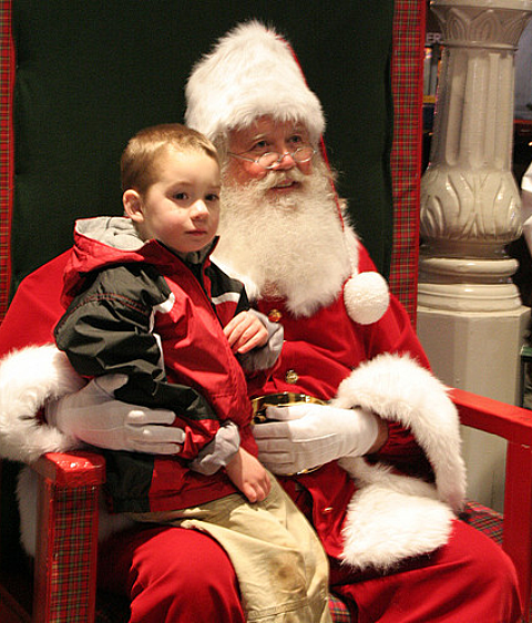 Santa Arrives in Texarkana