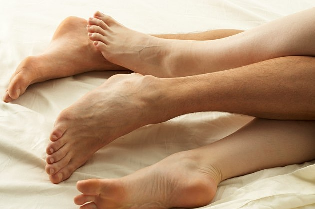 couple-in-bed-credit-digital-vision-200355198-001-630x419